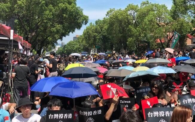 Manifestantes têm ido às ruas protestar contra a lei da extradição em Hong Kong