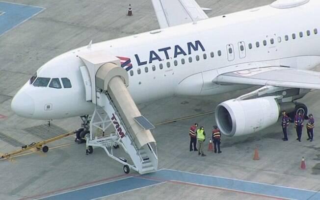 A Latam disse que o pouso ocorreu normalmente e em segurança e que os passageiros do avião seguiram para SP