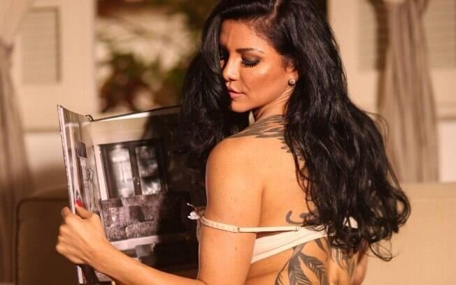 Eleita como a Musa de Ipanema,  a modelo Nathy Kihara mora há 11 anos na Europa e possui uma carreira internacional