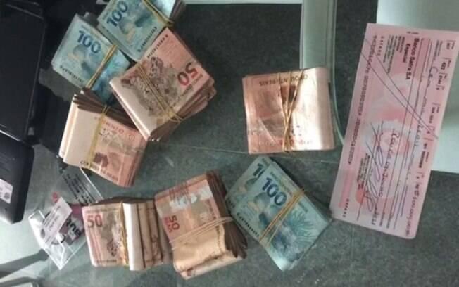 Polícia Federal apreendeu dinheiro durante busca realizada em Recife; preso era delator da Lava Jato