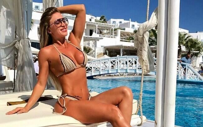 Jéssica Rodrigues, noiva de Latino, aproveitou a Grécia e sensualizou nas redes sociais