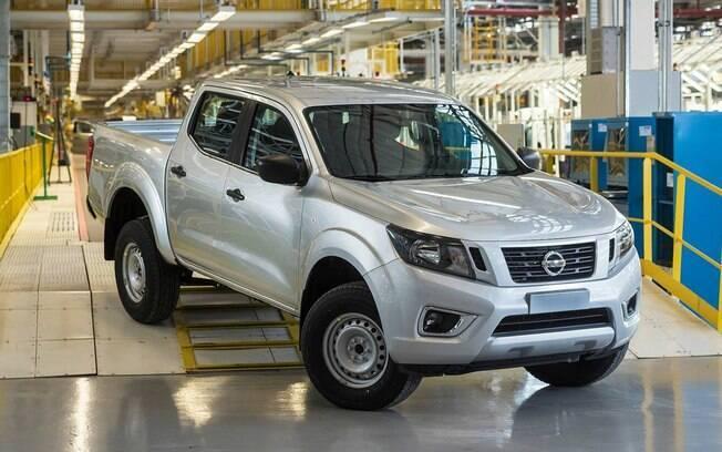 Nissan Frontier S: picape perde equipamentos e ganha motor com menos potência. Frotistas estão na mira