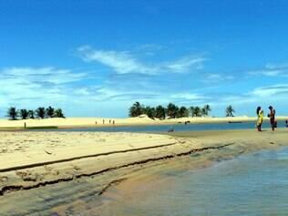 No trecho da foz, o rio São Francisco separa os Estados de Sergipe e Alagoas