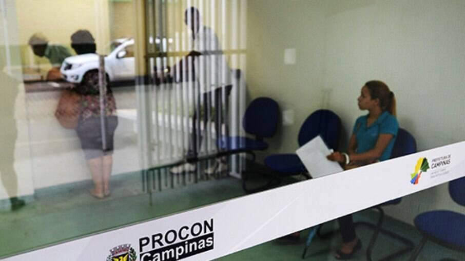 Procon teve mais de 25 mil reclamações em 2020.