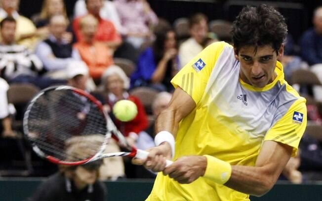 Bellucci venceu o gigante John Isner pela  Copa Davis