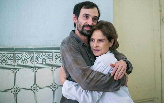 Drica Moraes e Julio Andrade em