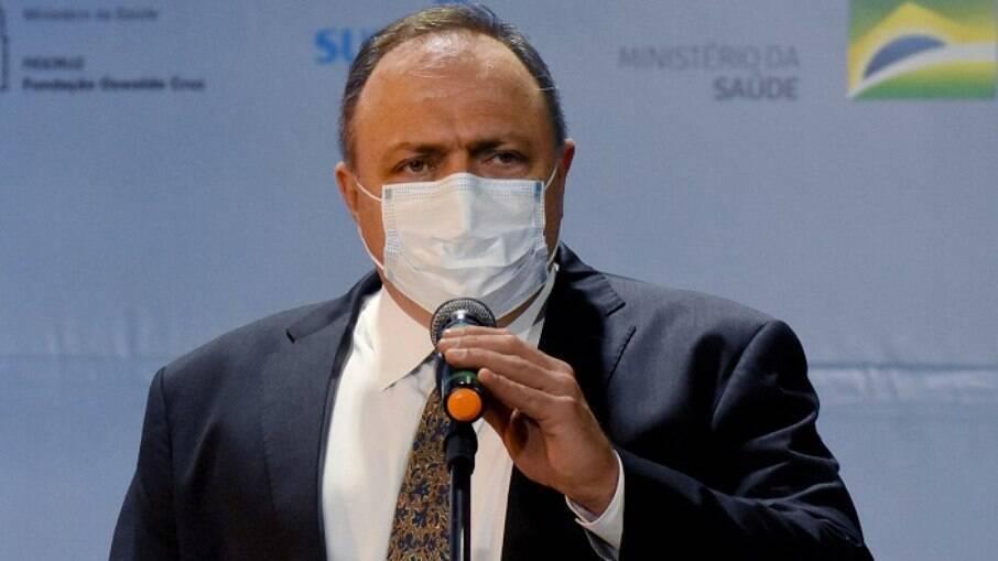 Eduardo Pazuello ainda não assinou os contratos para a compra das vacinas