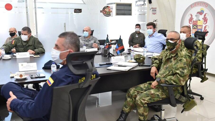 Ministro da defesa vai enviar 600 militares para Catatumbo