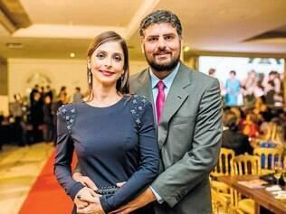 """Agraciada: A arquiteta Ana Paula Paolinelli, de novo homenageada pelo """"Jornal MG Turismo"""", e Pedro Bethônico"""