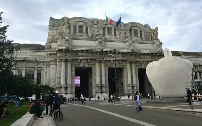 A Estação Central de Milão vale a visita mesmo para quem não pretende usar o transporte