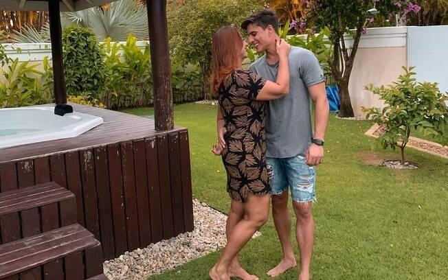 Nadine Gonçalves e Thiago Ramos