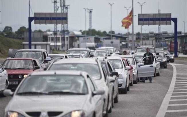 Fronteira da Macedônia com a Sérvia, neste domingo: país vizinho aumentou controle após mortes