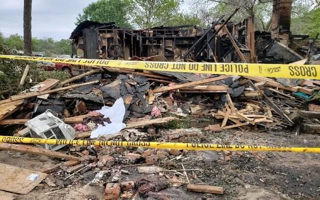 A filha do casal está tentando arrecadar fundos para reconstruir a casa destruída pela explosão no começo do mês de abril