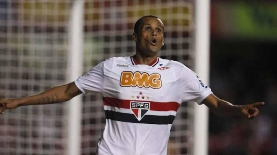 Rivaldo elogiou a atuação do Tricolor contra o Racing