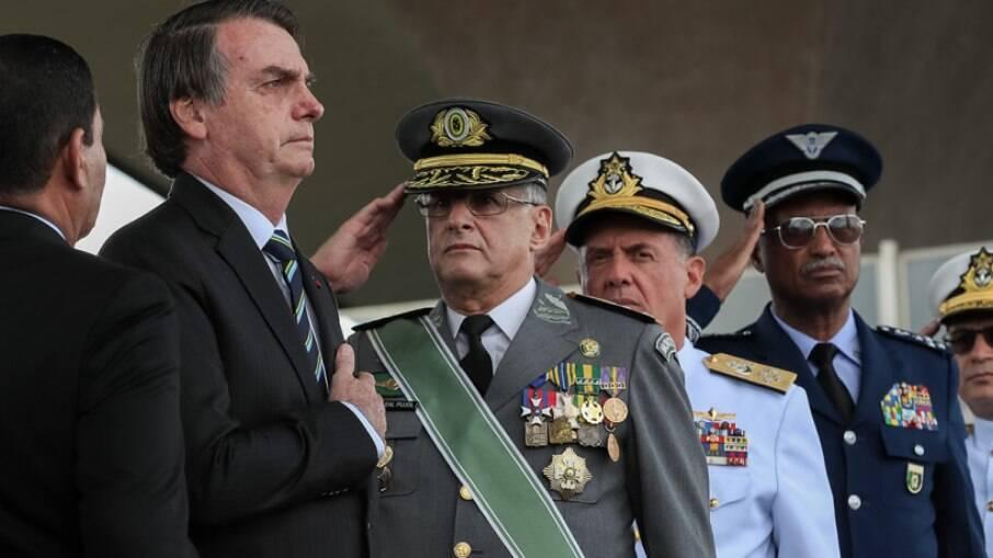 Bolsonaro teria pedido para a filha ingressar no colégio militar
