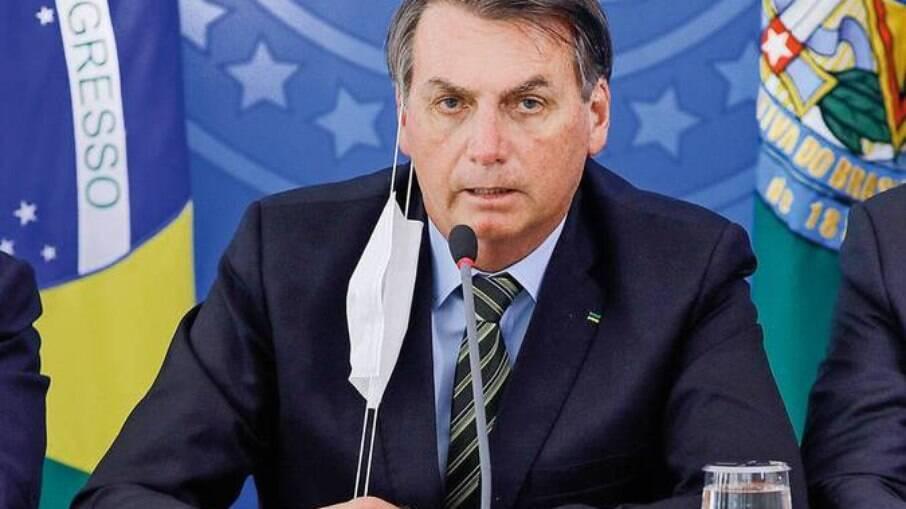 'Não há maracutaia que não esteja o nome do Renan envolvido', diz Bolsonaro