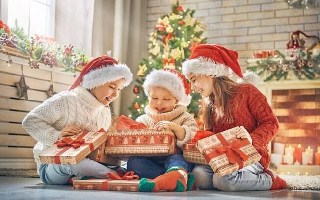 Pais resolveram compartilhar nas redes sociais quais os presentes de Natal mais inusitados que os filhos pediram
