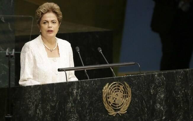 Aprovação ao governo Dilma vai a 10% e reprovação chega a 69%, aponta CNI/Ibope