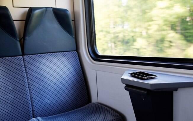 E no trem, como deve ser o comportamento dos passageiros?