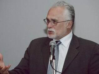 José Genoino, divulgou uma nota oficial na tarde desta sexta-feira, 15, na qual reitera ser inocente e diz considerar-se um
