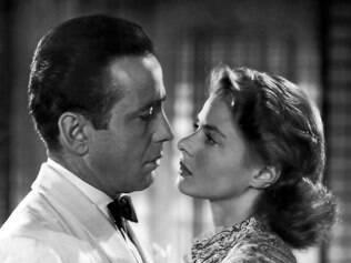 Humphrey Bogart e Ingrid Bergman como Rick Blaine e Ilsa