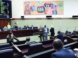 Urnas. Segundo um  vereador, colegas usam projetos próprios para se promoverem em plenário