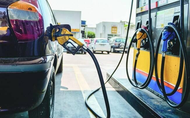 Combustíveis tiveram queda nos preços médios
