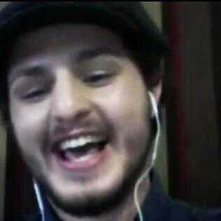 Igor Gilly em vídeo em que relata protesto contra a presidente