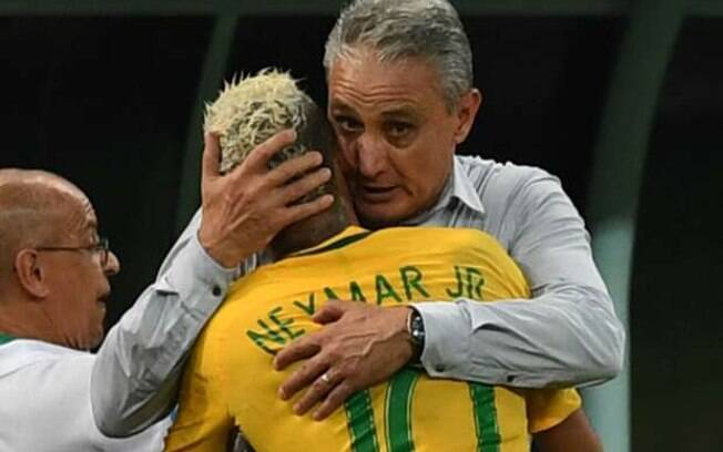Tite abraça Neymar