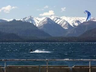 Kitesurfing no Lago Nahuel Huapi é opção para os aventureiros em Bariloche