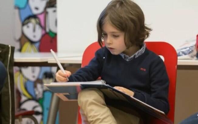 Laurent Simons é um garoto prodígio de 9 anos que se prepara para o doutorado