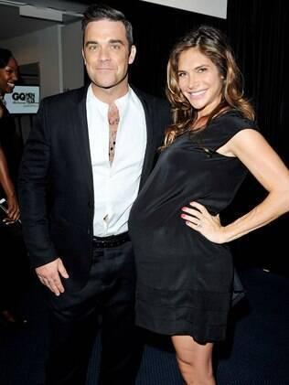 Nasceu nessa terça-feira (18) em Los Angeles a filha do cantor Robbie Williams e da atriz Ayda Field
