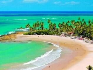 Coqueirinhos. Praia ganhou fama de ser uma das praias mais badaladas do litoral sul
