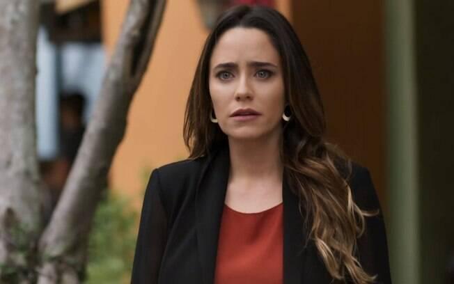 Bruna desconfia que Giovanni e Camila estão juntos