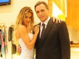 Natalie rouba os dolares do marido preso e o deixo sem reservas no Brasil