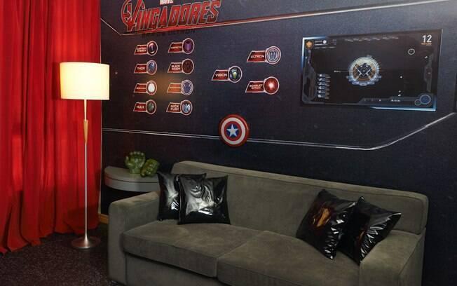 Fantasias e acessórios dos super-heróis do filme estarão à disposição dos hóspedes no quarto