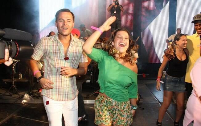 Fernanda Souza curtiu o último show do Exaltasamba nessa quarta-feira (22)