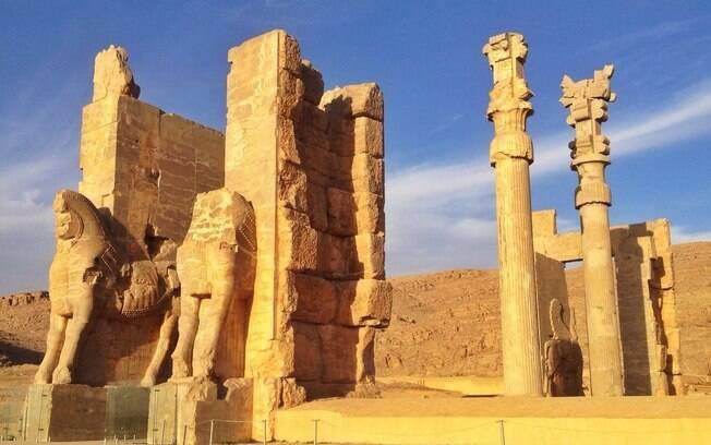Sítios históricos, como Persepolis, são locais que podem ser atacados pelos EUA