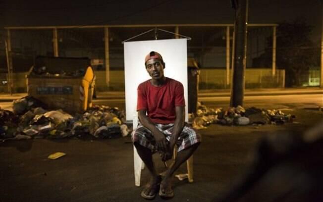 Andre Oliveira, de 32 anos: ele se sustenta catando lixo na rua