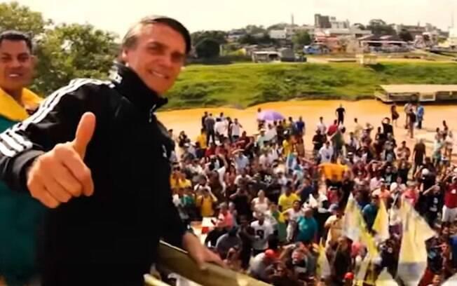 Propaganda de Bolsonaro na TV mostra flashes de campanha nas ruas; prática foi cessada após ataque em Juiz de Fora