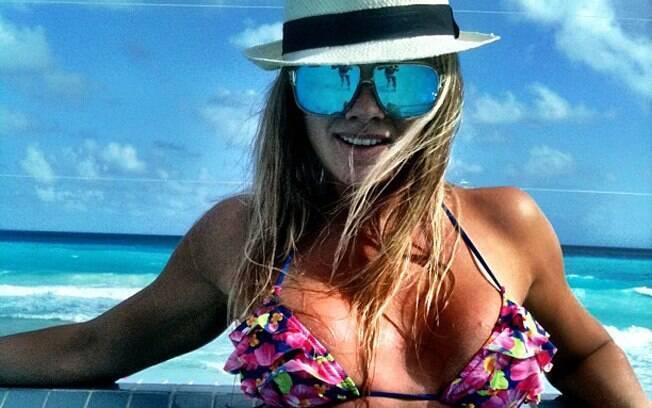 Juju Salimeni curte férias no Caribe
