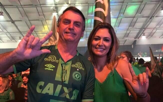 Jair Bolsonaro é esperança de familiares das vítimas do acidente aéreo da Chapecoense