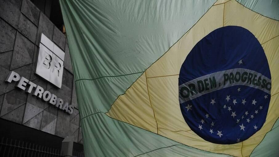 Assembleia de acionistas da Petrobras escolhe novos diretores e presidente da estatal nesta segunda-feira, 12 de abril