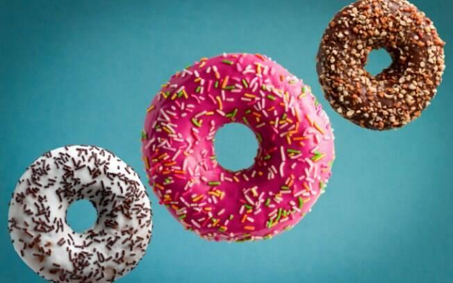 Os donuts são parecidos com os famosos sonhos de padaria, mas têm algumas diferenças