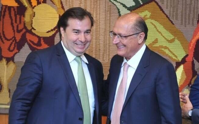 Apenas um candidato à Presidência na foto: Rodrigo Maia desistiu de concorrer e declarou apoio a Geraldo Alckmin