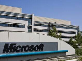 Investigação interna da Microsoft revelou transmissões não-autorizadas de informações comerciais secretas