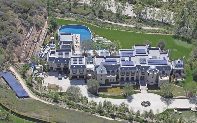 A mansão de 2 mil metros quadrados é toda sustentável