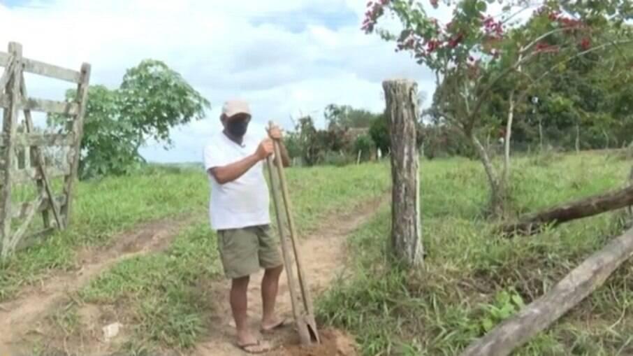 José Raimundo, agricultor baiano que é dado como morto pelo governo desde 2017