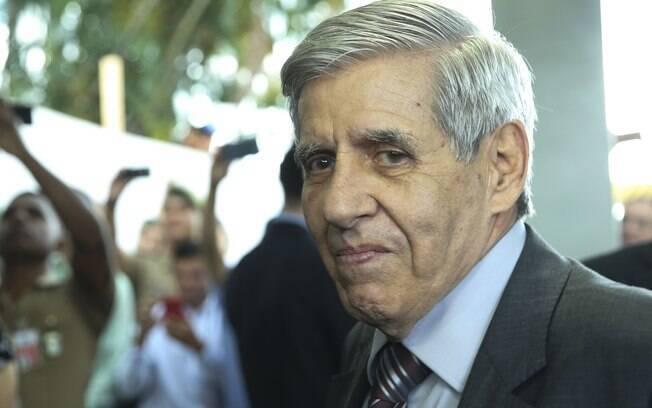 General Heleno e Onyx Lorenzoni comentaram aproximação com o DEM, que causa polêmica no Congresso
