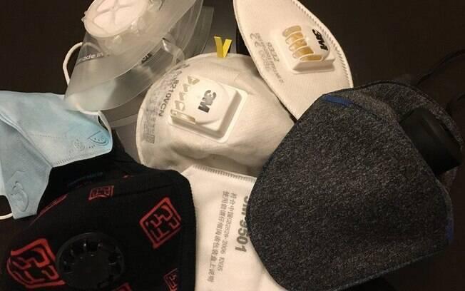 Algumas das máscaras que Vivian compra constantemente e usa para sair de casa
